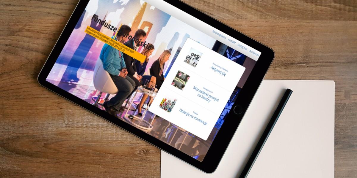 tablet z e-publikacją Fundusze Europejskie na Mazowszu
